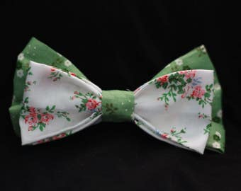 Green and White Flower Pattern Bow