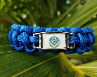 Blue House Freemason Paracord Bracelet. Handmade Masonic Paracord Bracelet. Great Gift Idea for a Freemason. Mens Masonic Paracord Bracelet.