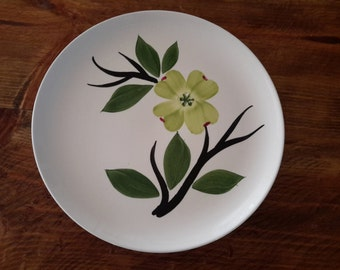 Dixie Dogwood Plate by Blueridge / Joni