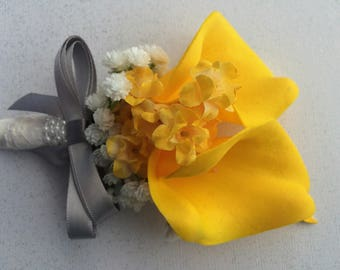 Yellow Calla Lily Corsage, Yellow Gray Corsage, Yellow Corsage, Gray Yellow Corsage, Yellow Lace Corsage, Pearl Lace Corsage