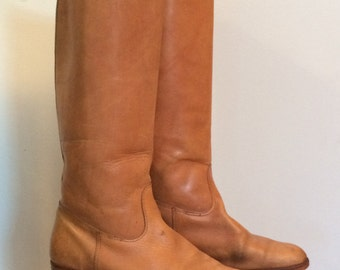 SALE // vintage, leather boots, made in Canada, light brown, bohemian riding boots, perfectly aged and worn in, bohemian perfection