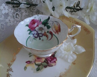 Paragon tea cup, vintage tea cup, Bone china tea cup, 1930s tea cup, 1930s paragon china, floral tea cup, china tea cup, vintage china, cup