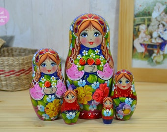 Russian nesting doll, Matryoshka, Gift for daughter, Wooden hand painted babushka with strawberry in hands, Gift for woman, Wood painting