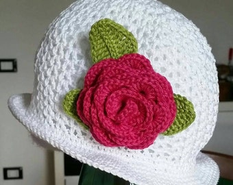 Cotton cap with side rose from the fresh spring days suitable to lukewarm fall