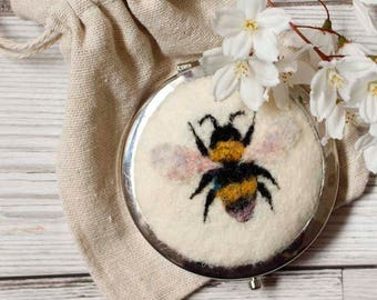 Bumblebee Compact Mirror, Original Needle Felted Bumblebee, Bee Wool Painting, Luxury Mirror, Luxury Gifts, Bee Gifts, Nature Lover Gifts