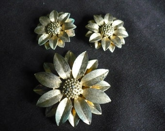 Signed Sarah Coventry Sunflower Brooch, Pin, and Clip Earrings