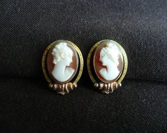 Vintage Van Dell carved shell cameo earrings, screw back, 1/20 12 K gold filled