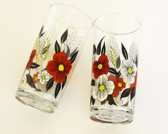 Retro Drinking Glasses - Barware - Spirit / liqueur - Water tumblers - Red and White flowers - Set of 2 - 1960's - 70's
