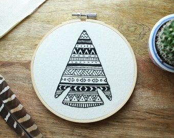 MADE TO ORDER - Arrowhead, Hoop Art, Embroidery, Embroidery Hoop Art, Boho, Embroidery Art, Boho Decor, Southwestern, Unique Gift, Tribal