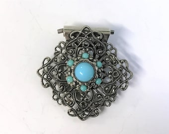 A Lovely Vintage Silver Tone Filigree and Turquoise Stone Dress / Scarf Clip