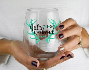 Girl's Weekend Wine Glass- Girl's Weekend Gift- Bridal Party Gift- Bachelorette Party Glass- Best Friend Trips