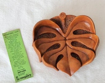vintage coco joes hawaiian bowl heart shape monstera leaf hapa wood aloha nut candy dish