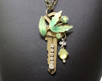 Re purposed Jewelry, Vintage Jewelry, Re-purposed Jewelry, The Green Leaf Necklace