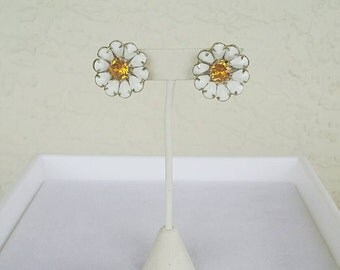Vintage Daisy Earrings