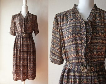 Japanese Vintage Dress / Vintage 1970's Dress / Light Chiffon Dress with Novelty Print and Froufrou Collar