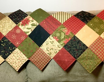 Christmas Quilted Table Runner - ZigZag Table Runner - Delightful December by Moda - Quilted Runner - Quilted Decor -Quilted Christmas Decor