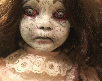 Creepy Doll - Sinder
