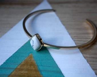 Bracelet jonc Triangle marbre bleu & blanc | Très joli bracelet géométrique | Tendance 2017 | Cadeau pour soi | Idée à offrir pour noel