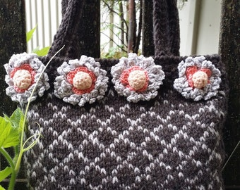 """Edge of the flower"" handbag"