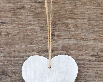 Cedar wood Heart painted shabby chic