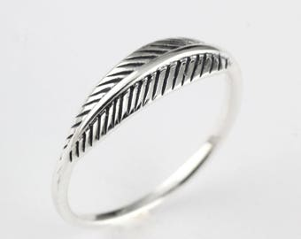 Vintage Style Womens Ring - Solid 925 Sterling Silver - Love Feather Small Band Ring - Boho Stacking Ring - Knuckle Feather Ring - Bird Wing