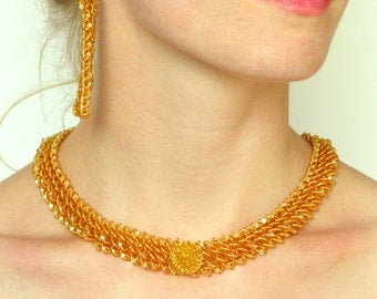 Golden Beaded thin Necklace