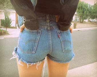 Levis High Waisted Denim Jean Shorts Frayed