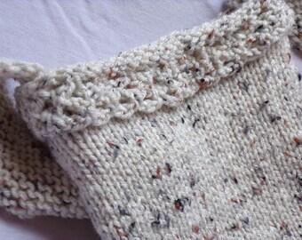 Natural- look knitted shoulder bag