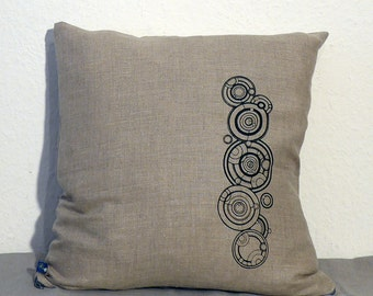 Doctor Who Gallifreyan Name Linen Pillow Cover, in Black, Natural or Burgundy - Fits a 50 by 50 cm Pillow (Not Included)
