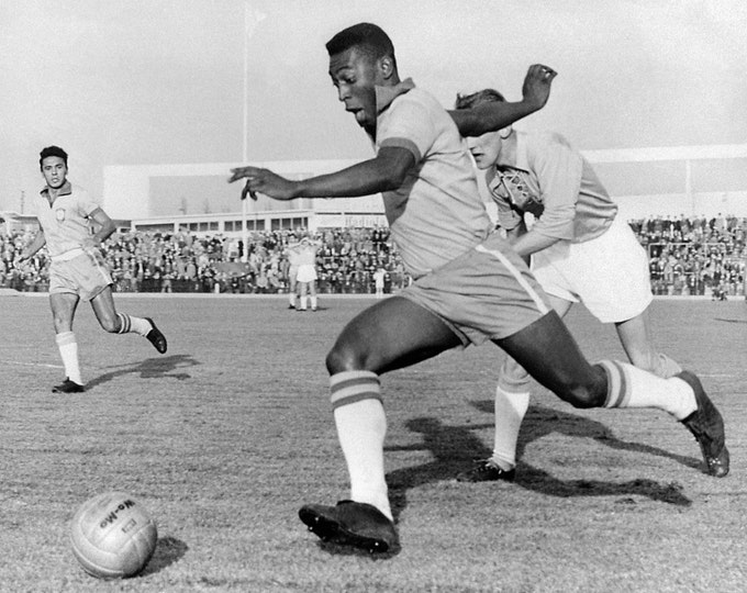 Pele During Malmo - Brazil in 1960 World Renowned Footballer - 8X10 or 11X14 Sports Photo (DA-542)