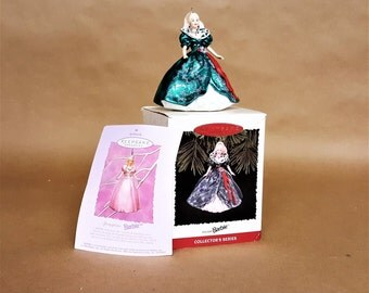 Barbie Doll Holiday Collector's Series Holiday Barbie 1995 Hallmark Keepsake Ornament Number Three Free Shipping