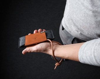 NEW Google Pixel / Google Pixel XL Wallet Case - Italian Leather and Merino Wool Felt,  Grey / Tan