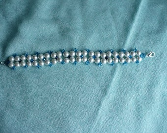 Glass White Pearls/ Faceted Glass Bicones Diamond Bracelet