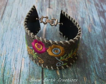 EMBROIDERED CUFF BRACELET 277