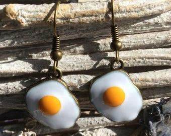 Fried egg earrings, chicken keeper gift, omelette, novelty jewellery, fast food jewellery