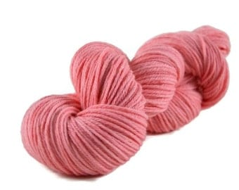 Worsted Yarn, Superwash Merino yarn, worsted weight yarn, wool yarn, 100% Superwash Merino, pink, light pink, worsted merino - Bubblegum