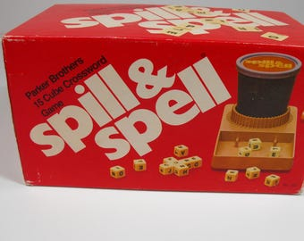 Vtg Spill and Spell Word Dice Game Parker Brothers    (971)