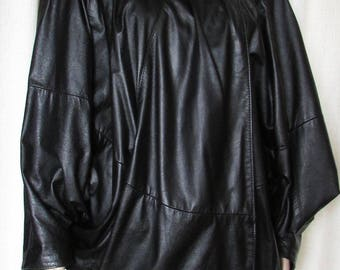 vintage superbe ada paris black bat sleeves  leather coat  size medium/fantastique manteau de cuir noir manches chauve souris grandeur moyen