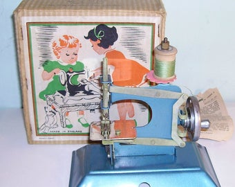 1950's Toy Sewing Machine Little Betty Boxed