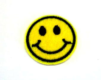 Small Smiling Face Emoji - Iron on Patch - H455