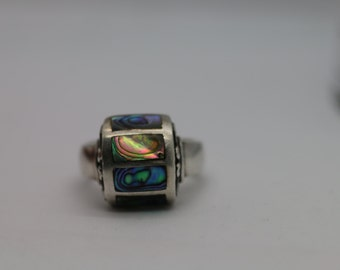 Ladies .925 Silver Ring w/ Mother Pearl Size 7