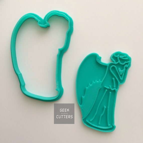 Doctor Who - Weeping Angel Cookie Cutter - Fondant, Backing Mold, 3d printed, Cookiecutter, Ghost Busters