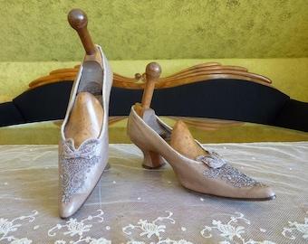 1905 Beaded Evening Shoes, antique shoes, Edwardian Shoes, antique pumps