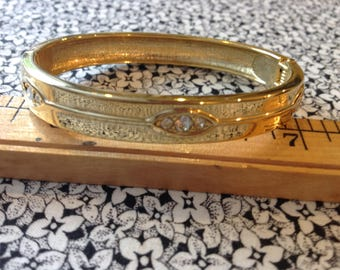 Vintage Gold Toned Hinged Bracelt With Glass Rhinestones
