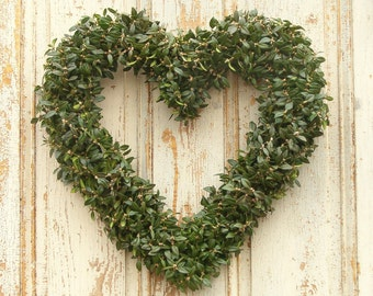 Fresh Boxwood Heart Wreath, Boxwood Wreath, Valentine's Day, Heart Shaped Wreath, Front Door Wreath, Holiday Decor, Christmas Wreath