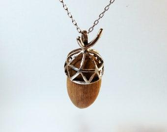 Acorn pendant, acorn of wood and silver, acorn rustica, necklace of wood and silver, acorn of silver, acorn wood, pendant rustico
