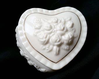 Heart Shape Ceramic Trinket Box-Heart Shape Porcelain Jewelry Box- Off White-Ruffled Edge-Gold Trim