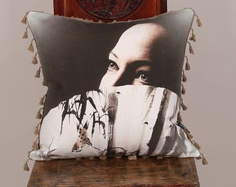 "Kissenhülle Kissenbezug Cushion Cover Pillow Case ""Hiding Girl"""