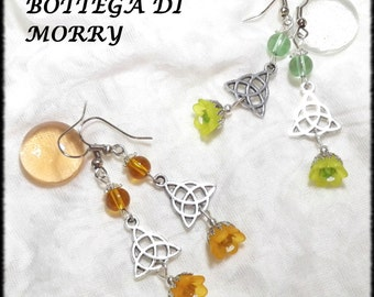 """Earrings """"triquetra"""" in Celtic, Pagan, fantasy with lucite flowers"""