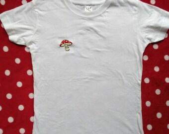 T-shirt mashroom